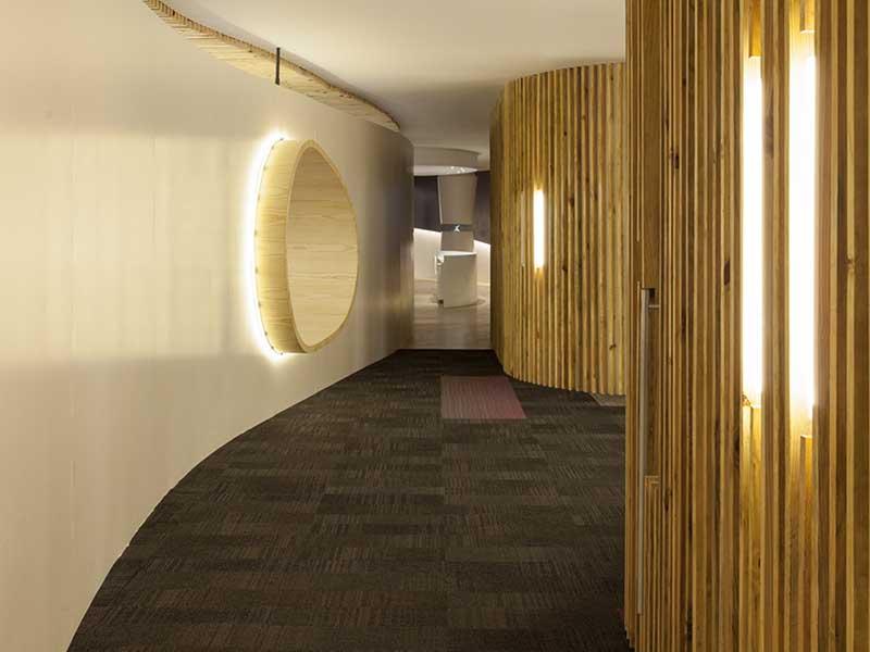 如何为公司采购PVC方块地毯
